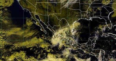 La tormenta tropical Priscilla toca tierra en las costas de México