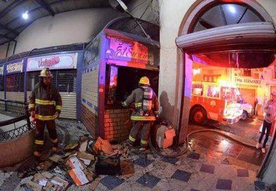 Locales del mercado se incendian