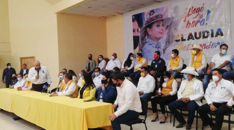 Presidente nacional del PRD refrenda a Claudia Anaya